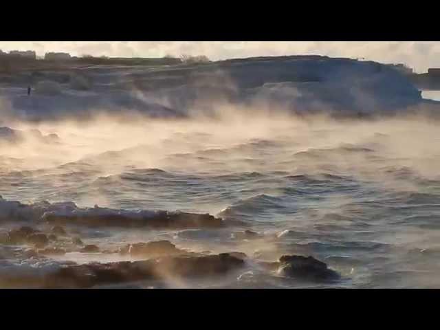 Красивая зима в Севастополе море парит