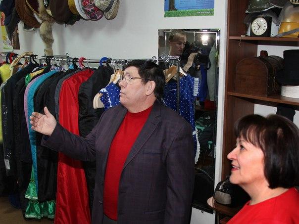 Исполком Нижнекамска подарил театру юмора и сатиры «Мунча ташы» помещение