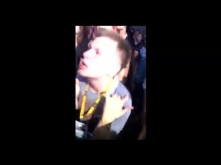 Идиота плющит под Foals - Two Steps, Twice на Krakow Live Festival 2015