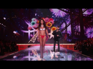 Victorias secret fashion show 2016. the weeknd - can't feel my face