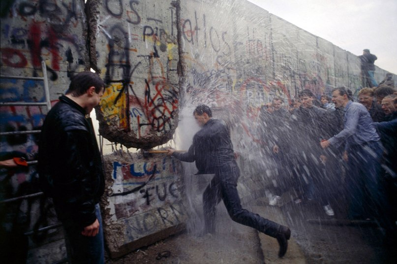 berlin wall life on the inside The berlin wall has long since disappeared from reunified berlin once stood and where you can find historical and current wall-related sites inside the.