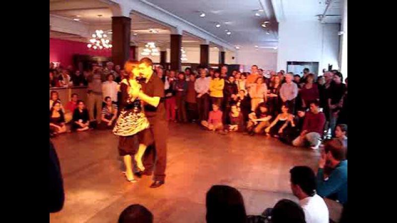 Milonga con traspie clase festival mundial de tango la baldosa Gabriela Elias y Eduardo Perez