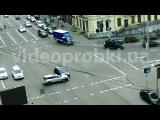 ДТП в Киеве: внедорожник и легковой автомобиль