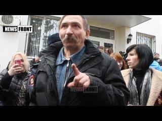 Активиста, поддерживающего Савченко, поставили в тупик простые вопросы российских журналистов