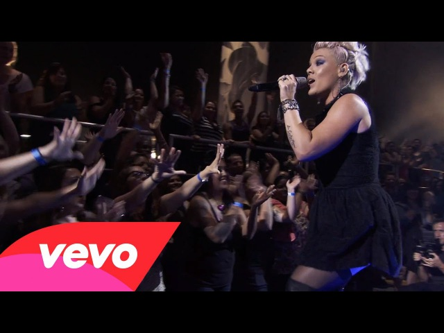 P!nk - How Come Youre Not Here (The Truth About Love - Live From Los Angeles)
