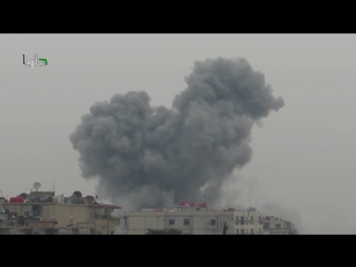 Сирия. бомбовый удар по городу Дарайа. .