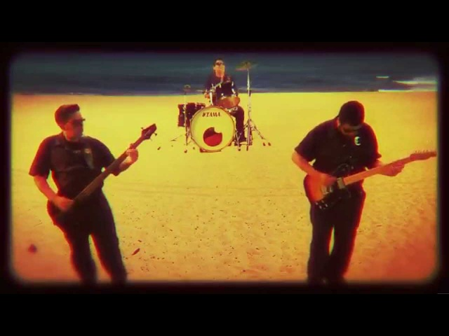 MOVIE STAR TRASH - No Limite do Alerta - Psycho Circus 2014 surf