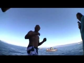 Прыжки в воду с адской тарзанки!