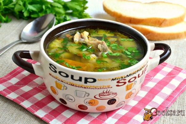 Куриный суп с баклажанами #суп #кулинария #баклажаны #курица #вкусно #рецепты Куриный суп с баклажанами - очень вкусное первое блюдо для вашего обеденного стола, которое разнообразит повседневное меню. Суп получается легким, но сытным, очень вкусным и ароматным.
