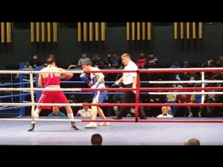 Ахмедов Али отправил в нокдаун Адильбека Ниязымбетова