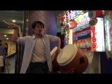 Dude rocks out on Taiko No Tatsujin