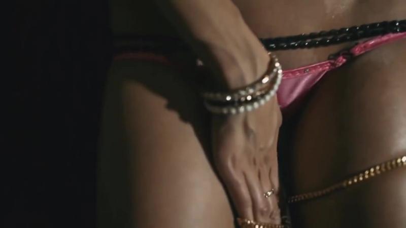 Сочная девочка играется с киской сексуально стонет кончает эротика  порно