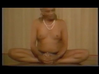 Naked yoga GURU. Demonstration || Sri B.K.S.Iyengar - Sydney, Joga [1983]