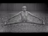 Naked yoga GURU. Sri B.K.S.Iyengar yoga (1976) || Йога. Гуру-Мастер. Демонстрация.