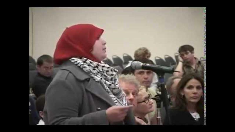 Radical muçulmana se finge de moderada para tentar encurralar -- logo quem! -- David Horowitz