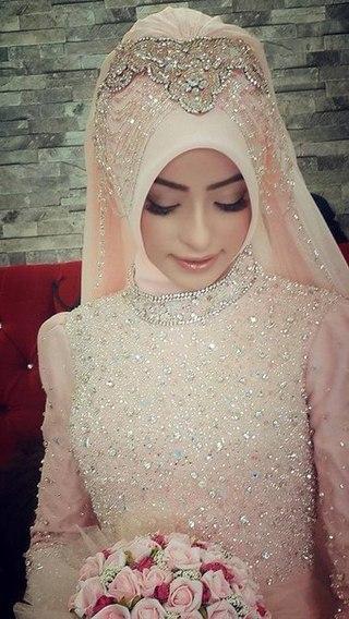 Самое красивое чеченское свадебное платье