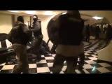 Танец спецназовцев в ожидании захвата кафе