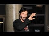 Keanu Reeves Arrives At LAX Looking Handsome