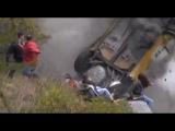 Жесткие аварии на гонках с замедленным повтором. Машина переворачивается буквально над головой!