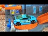 Гоночные машинки и новый трек. Видео про игрушечные машины