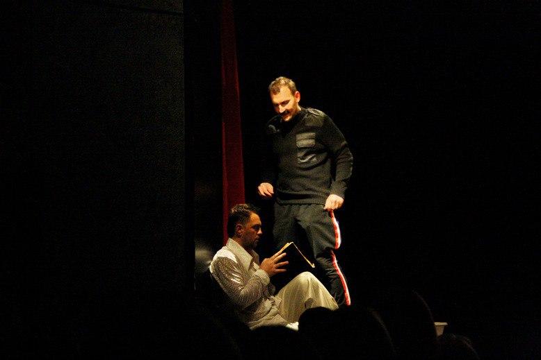 Спектакль Двери от театра 19