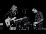 The Both (Aimee Mann &amp Ted Leo) - Voices Carry ('Til Tuesday) live - Blind Pig 5714