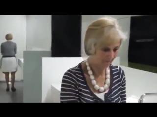 Дети-занимаються-сексом-в-женском-туалете-WikiBit.me