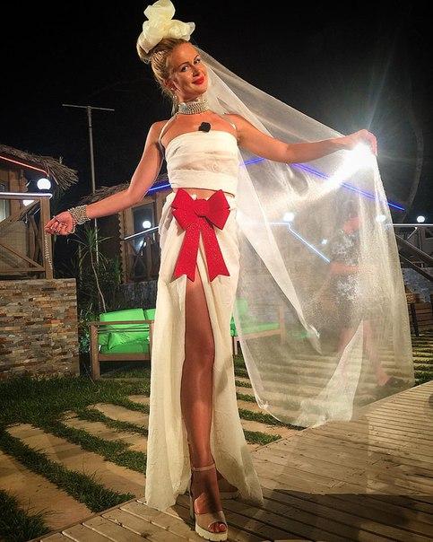 Дом 2 платьев свадьба на миллион