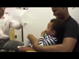 Very nice doctor and method to inject babies