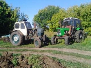 ЮМЗ-6 турбо и МТЗ 82.1 вспашка стерни ячменя 2015 / MTZ 82.1 ploughing of barley