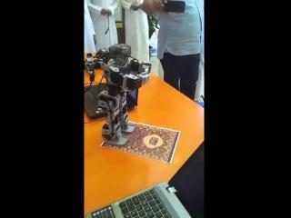 Новости из мира высоких технологий: робот совершает молитву