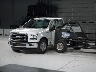 2015 Ford F-150 extended cab side IIHS crash test