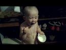Кира кушает сметанку
