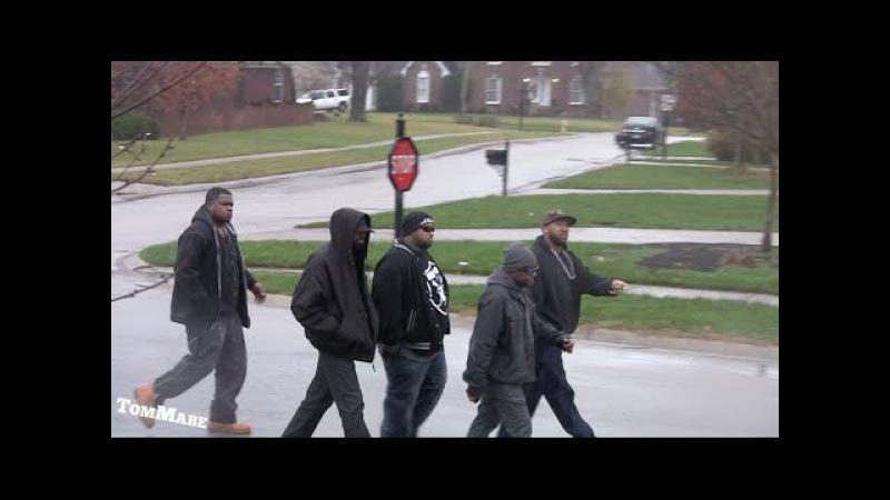 Linkin Bridge: Tough guys bring the HOOD TO THE 'BURBS AT CHRISTMAS - PRANK!