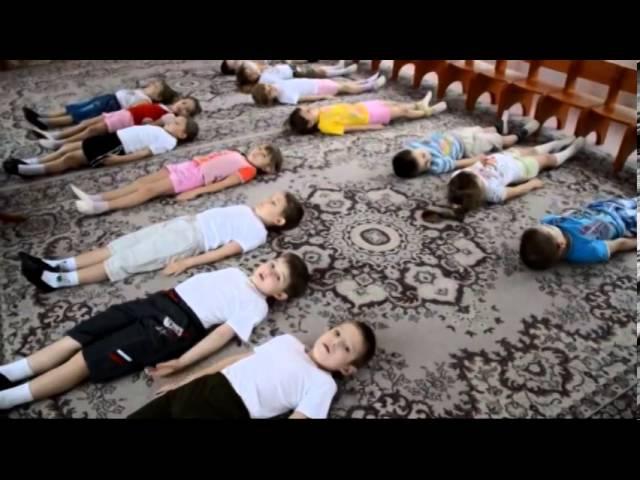 Ранкова гімнастика з дітьми старшої групи