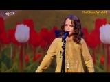 Маленькая девочка поет взрослым оперным голосом!