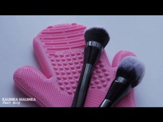 Как мыть кисти для макияжа_варежка для мойки кистей