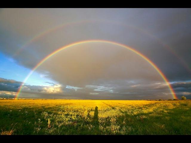 Краски дивной красоты у небесной РА дуги