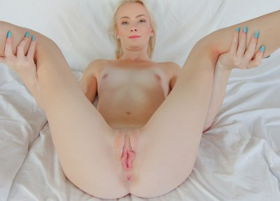Tiny Bouncing Blonde