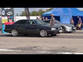 Nissan GT-R R35 VS Audi 200 20VTQ drag race