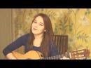 Девушка нереально круто поет и играет на гитаре