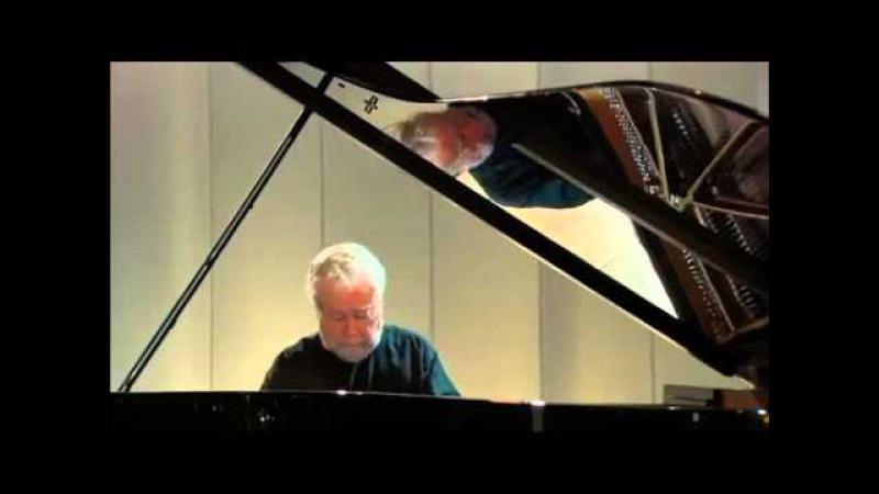 R Schumann Arabesque Opus 18 (C) By Nelson Freire