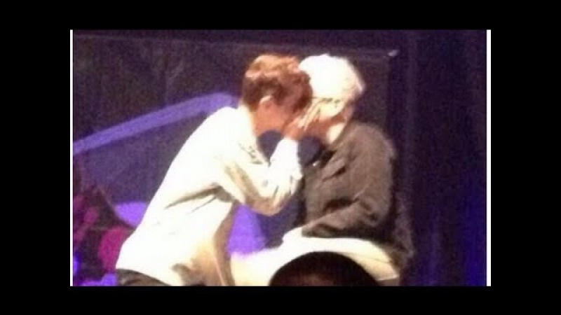 Troye Sivan and Tyler Oakley Troyler Kiss| DigiTour 2014 (ORIGINAL)