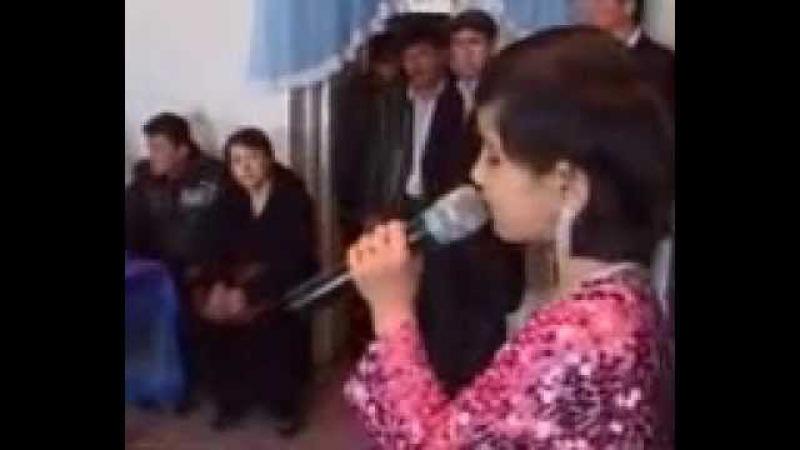 девушка заставила плакать весь зал ёш кизчанинг она хакидаги кушиги хаммани еглатди