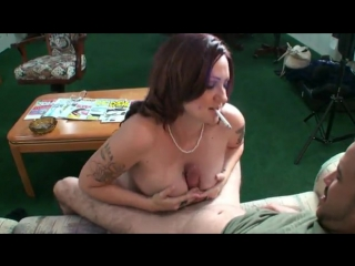 Pregnant smoking girl 02