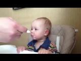 Как заставить ребёнка есть кашу !