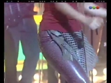 Shakira canta No creo - Versus