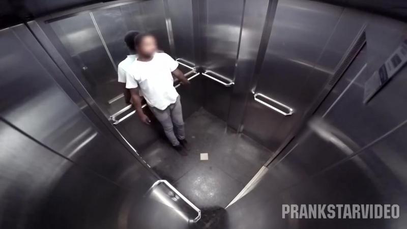Давануло Запор в Лифте Пранк!