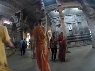 Скрытая съёмка в храме Ранганатхи...