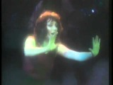 Kate Bush - Wuthering Heights (Live At Hammersmith Odeon 1979)